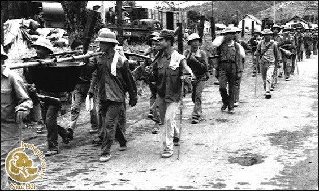 Kế hoạch của Trung Quốc Kế hoạch của Trung Quốc gồm ba giai đoạn. Giai đoạn  đầu (từ 17 đến 25 tháng 2): phá vỡ hàng phòng thủ đầu tiên của Việt Nam ...